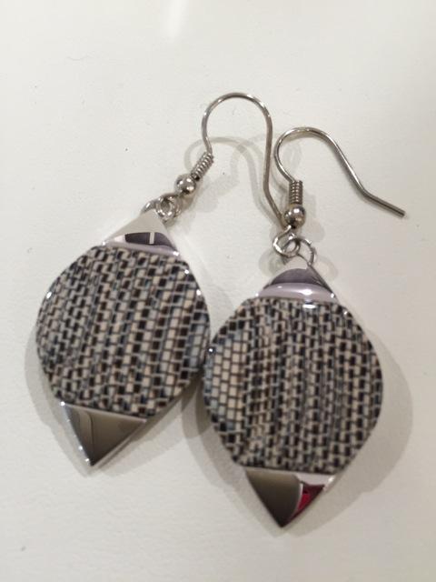Boucles d'oreilles goutte d'eau avec métal python