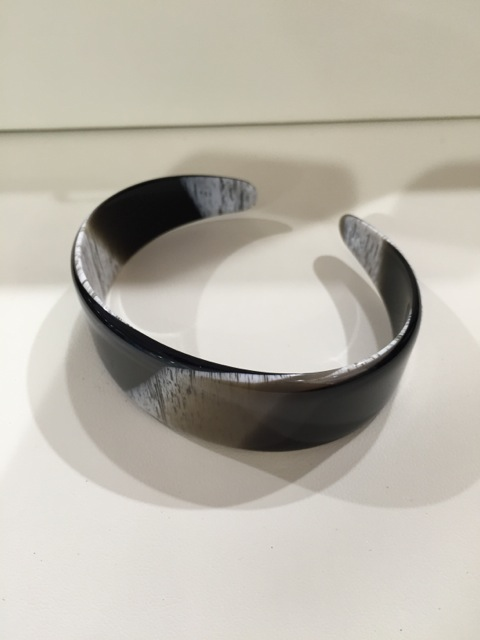 Bracelet souple fin corne